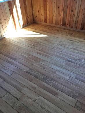 床板:松の無垢材の画像1
