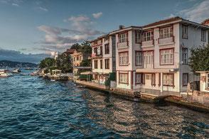 Häuser am Bosporus-Cengelköy