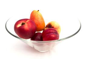 glas-obst-schale-mit-fruechten