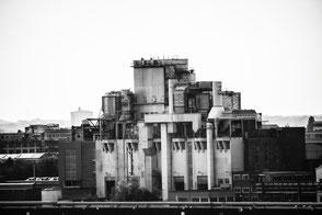 fabrik-black-and-white