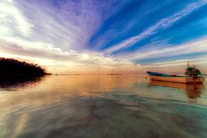 boot-bei-untergehender-sonne-thailand