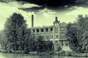 alte-fabrik-in-goerlitz-an-der-neisse-lost-places-black-and-white