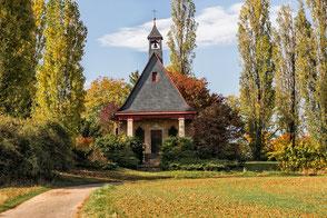 Kleine-Kapelle-im-Park