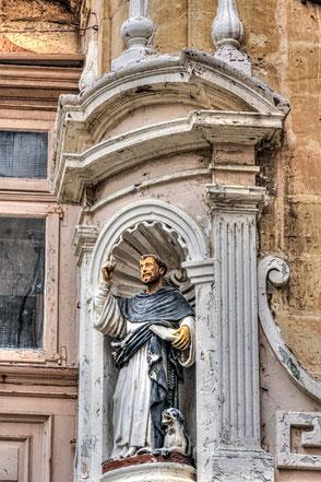 Heiligenfigur-Theologe-in-Valletta