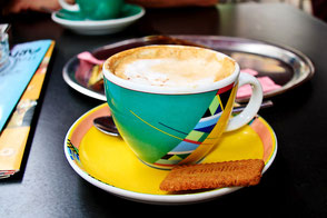 Cappuccino-und-Keks