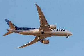 flugzeug-lan-airlines-dreamliner