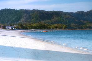 bungalows-am-strand-langkawi-malaysia