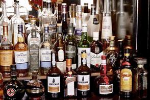 Spirits Spirituosen Beratung Sortiment Unabhängig Flaschen Bar Whisky Gin Rum