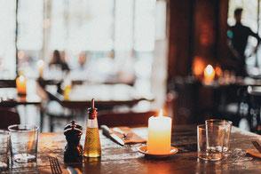 Spirits Beratung Spirituosen Restaurant Tisch Essen Sortiment Getränkekarte