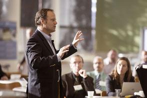 Voice Coaching Präsentation Business Gruppe Mann