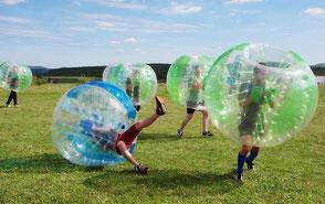 Bubble Soccer Turnier Firmenevent Betriebsausflug mieten Bubble Bälle Bubble Ball Fußball