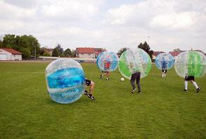 Bubble Soccer Turnier Football Frankfurt Ideen Sommerfest Weihnachtsfeier Spiele Idee