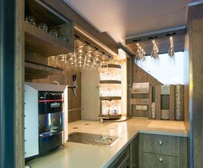 Unger-Reisen Bistro-Bus Skyliner Küche und Bar