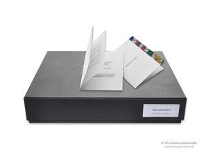 Scatola confezione rivestita  e certificato personalizzato su misura