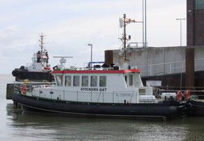 Das Flachwasserpeilschiff Stickers Gat im Hafen des WSA Cuxhaven