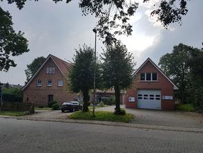 Dat Sprüttenhuus un de ole School in Hollen
