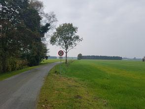 Plattdüütsch: Oortsutgang von Ihlbeek na Hockmöhlen rut