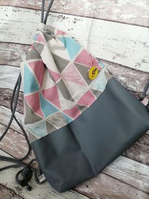 Turnbeutel Gymbag Rucksack Dreiecke Triangle handgemacht Handarbeit handmade SaSch Selbstgefertigtes aus Schwaben