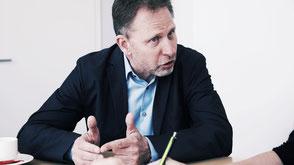 Wolfgang Grilz, Partner der Trigon Entwicklungsberatung, ist Experte für das Thema Laterales Führen.