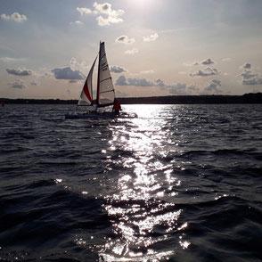 XCAT-Segeln zum Feierabend auf der Ostsee, Sierksdorf, Abendstimmung