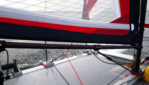 Sportliches XCAT-Segeln auf Ostsee mit Spritzwasser, Segel & Trampolin