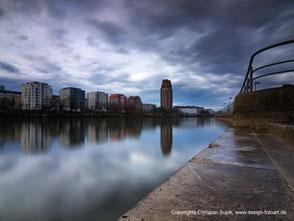Bild mit Beispiel für Stadtfotografie, hier Frankfurt Skyline.