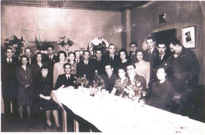 Walthamstow 1946 2nd/3rd from left Mr and Mrs Freeman (10th Parachute Bn)