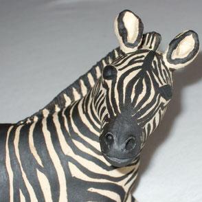 Keramik-Zebra; Keramik-Figur; Keramik-Skulptur; Keramik-Kunst Nürnberg; lovely-cera  ~ schöne Keramik-Kunst Nürnberg; Keramik-Gartenskulptur;