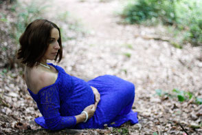 Foto Babybauch draußen