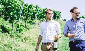 Die Brüder Schauer führen den gleichnamigen Familienbetrieb mit herrlicher Aussichtslage.