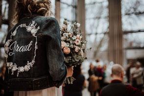Brautmode, Jeansjacke, Hochzeitsmesse