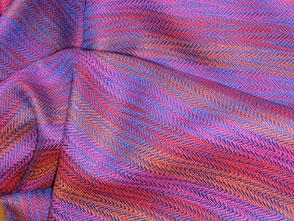 Schals in den schönsten Farben und Mustern.