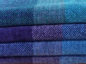 Bad- und Küchenwäsche in bunten Farben und handgewoben.