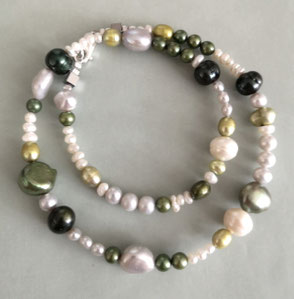 BLUE MOMENTS ONE- Süßwasserperlen in Natur und Blau; Perlenschmuck, Perlen, Süßwasserperlen