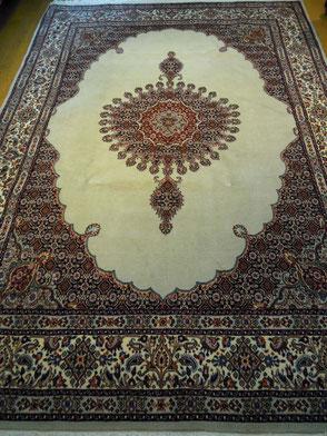 MUDwool 約200x150 こちらのクラスの絨毯は20万円前後からご用意させていただけます。