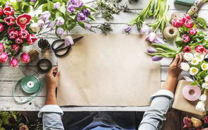 bord med blomster