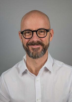 Christian Bach – Tinnitus-Retrainer, Tinnitus-Therapeut und Hypnose-Spezialist im Tinnitus Therapie Center