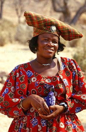 Kopfschmuck der Herero-Frauen in NAMIBIA