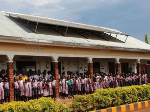 Solarstrom für die Schule in Uganda