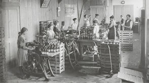 Eptinger Flaschenabfüllung 1910