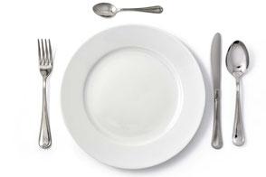Geschirr, Bestecke, Gläser von der Party-Küche Heuer