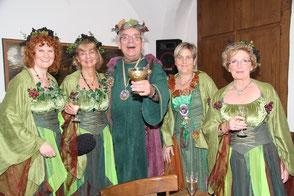 Bacchus Manfred Grütling mit seinen Bacchantinnen