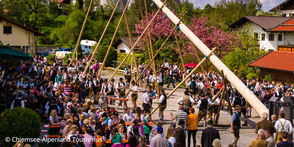 Tradition in 83126 Flintsbach, Gasthof Falkenstein