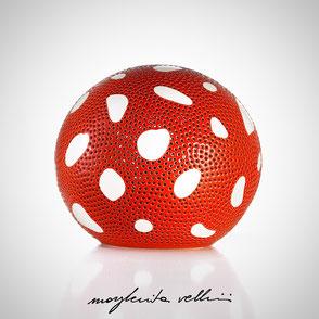 Lampade sfera da appoggio tagli AMANITE finitura in maiolica e smalto rosso  Margherita Vellini Ceramica Made in Italy Home Lighting Design