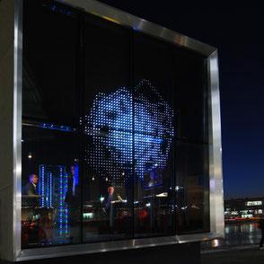 Glas Design - LEDs in Glas, Schaltglas, technishe Gläser