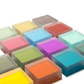 caractere Kunststoff - versato - Luminous - Acryl - PetG - Plexi - resin panel - Ladenbau - Messebau - Möbel