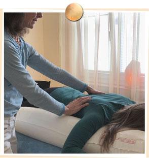 Wirbelsäulen-Basis-Ausgleich, Schwingkissen Therapie, Patricia Kressig-Schori, Praxis für Energetische Körpertherapien, Zürich