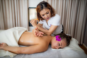 Lomi Lomi Massage Example