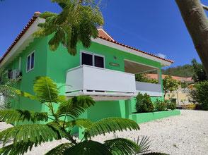 balkon-cas-iguana-urlaub-curacao-ferienhaus-pool-villa