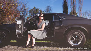 Shooting photo relooking pin-up avec Mustang en Normandie
